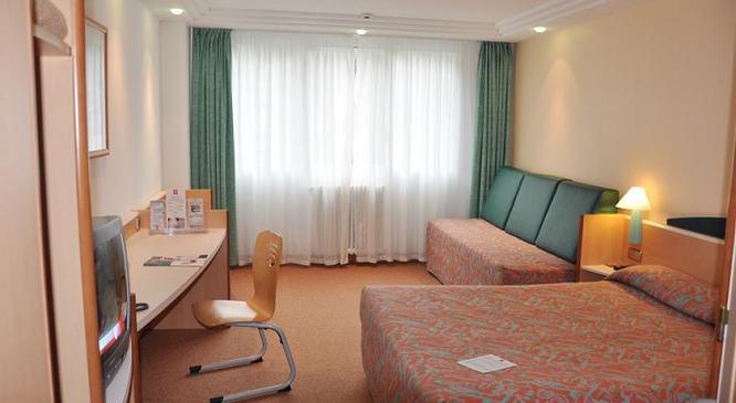 Hotel ibis andorra escaldes engordany h tel ibis andorre for Prix chambre hotel ibis